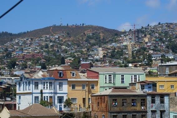 Vue sur les collines de Valparaiso, Chili Photo : Espaces andins