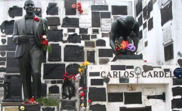 Carlos Gardel, cimetière de la Chacarita, à Buenos aires, Argentine Photo : Pinterest