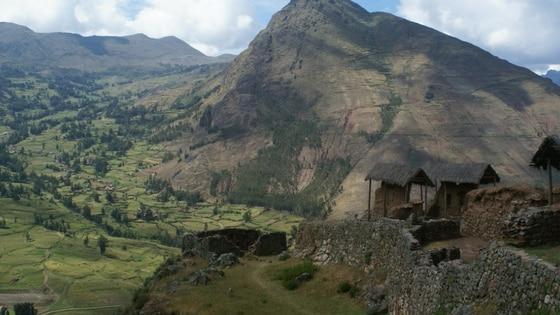 Le site de Pisac, dans la vallée sacrée au Pérou
