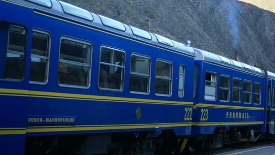 Train Ollantaytombo, Aguas Clients