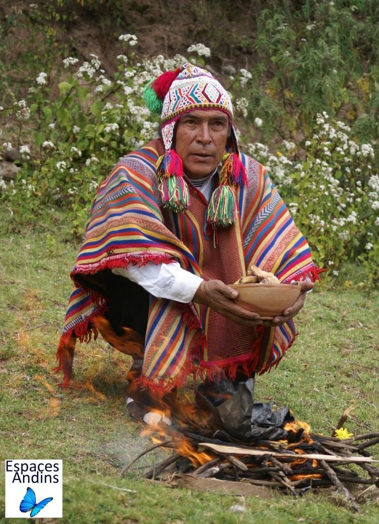 A Cusco, cérémonie Pachamama / Photo : Espaces andins