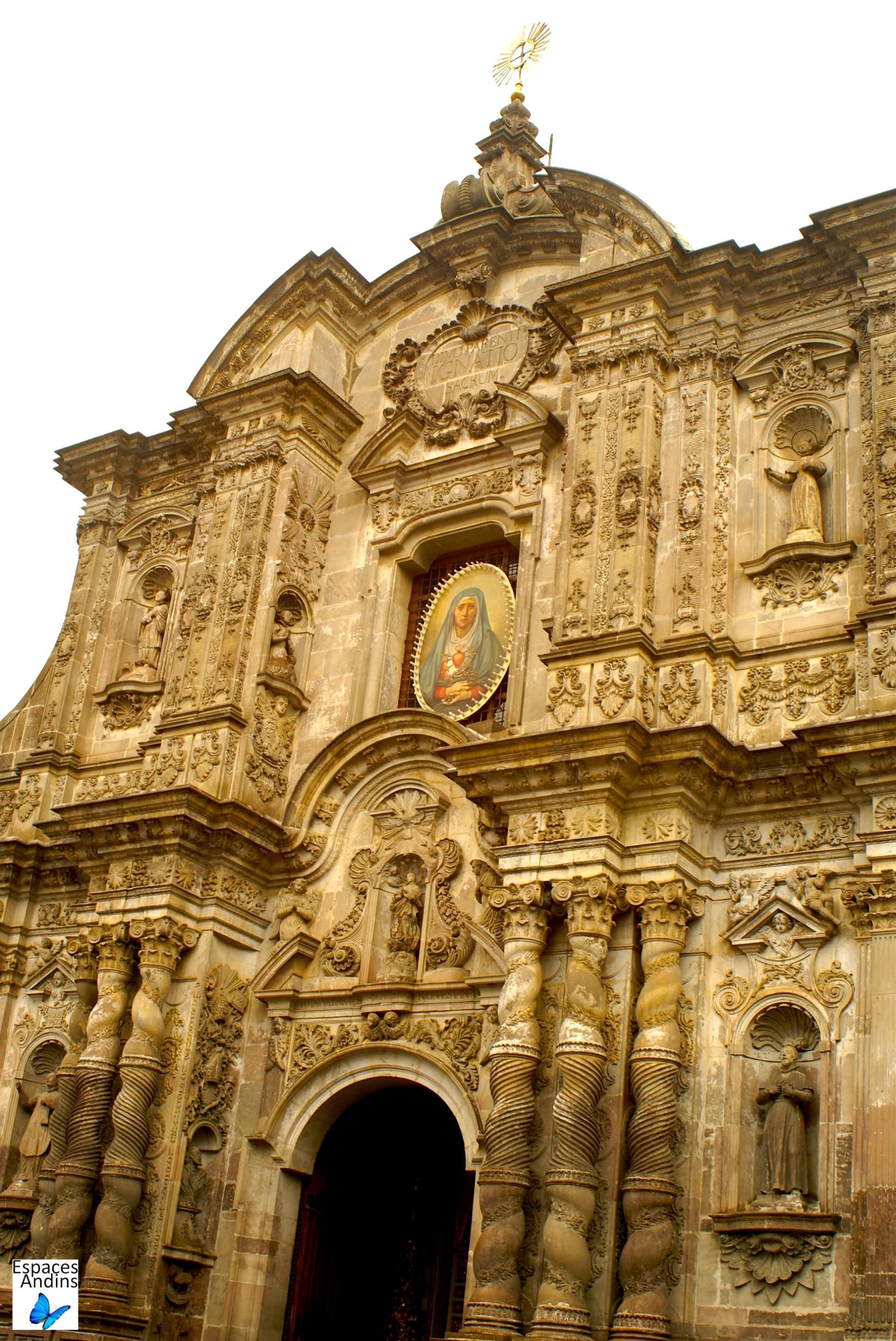 Façade extérieure de l'église de la Compagnie de Jesus, Quito / Photo : Espaces andins
