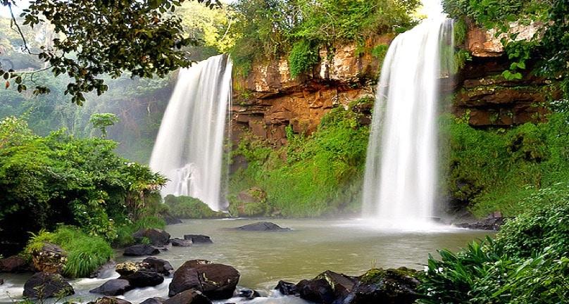Chutes Iguazu (les deux soeurs)