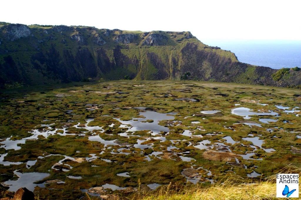 Le cratère Rano Kau, Ile de Pâques / Photo : Espaces andins