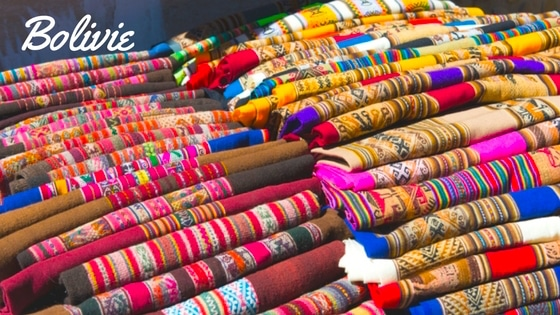 Un Dimanche Au Marché Coloré De Tarabuco En  Bolivie