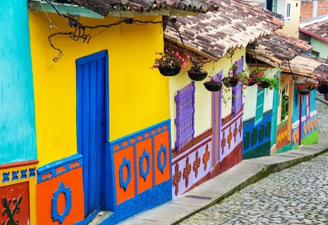 Maisons Colorees En Colombie