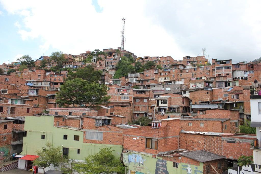 colombie-medellin-quartier-metro cable