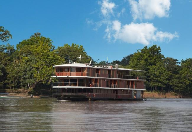 Le Navire Manatee En Amazonie Equatorienne