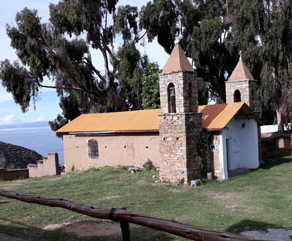 Eglise San Antonio sur la Isla del Sol, Lac Titicaca, Bolivie. Photo : Espaces Andins