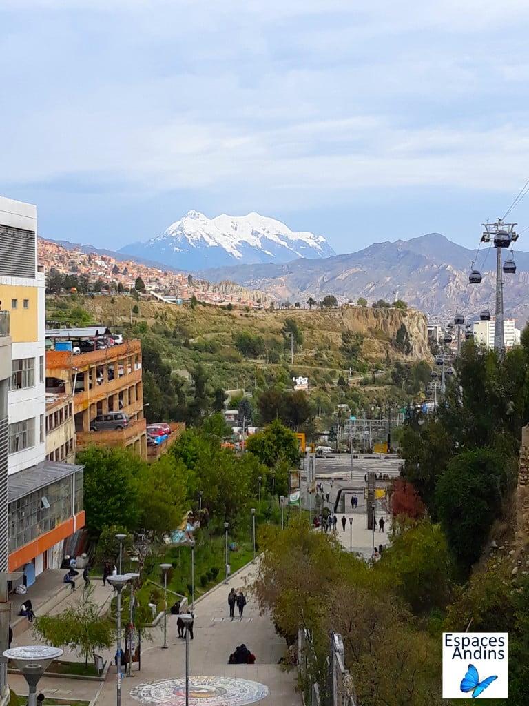 Vu sur la montagne à la Paz, en Bolivie // Photo : Espaces Andins