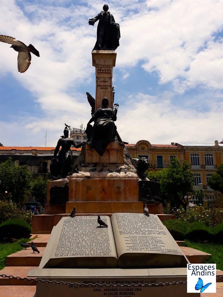 Monument de la Place Murillo // Photo : Espaces Andins