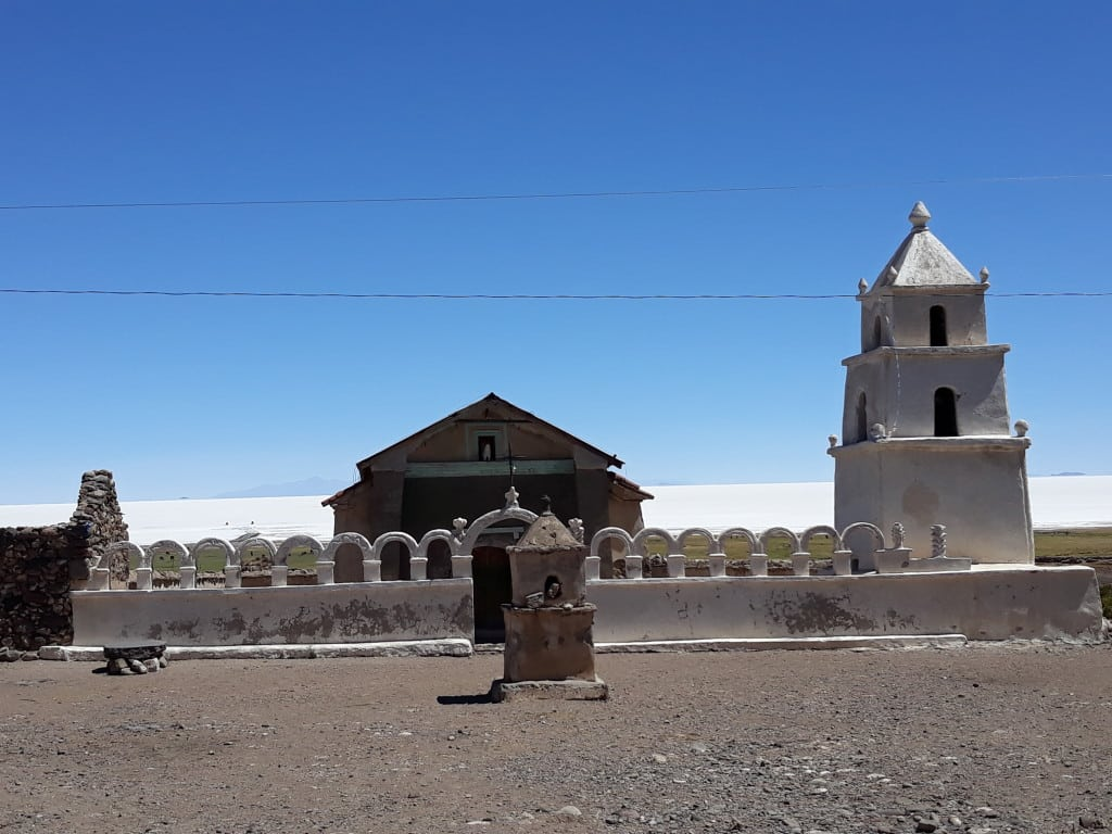 Eglise de Coquesa, près du volcan Thunupa, Bolivie Photo : Espaces Andins