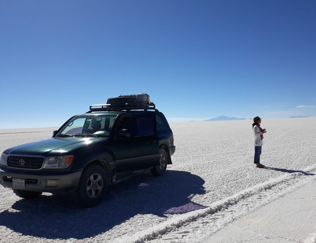 Notre 4x4 au salar d'Uyuni, Bolivi Photo : Espaces andins