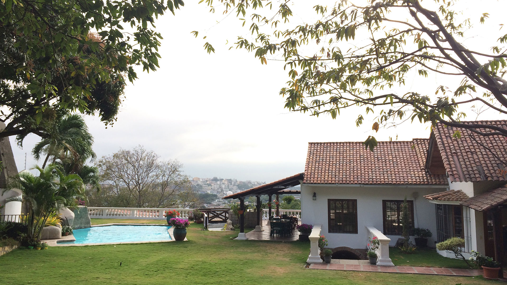 Nazu House, Equateur