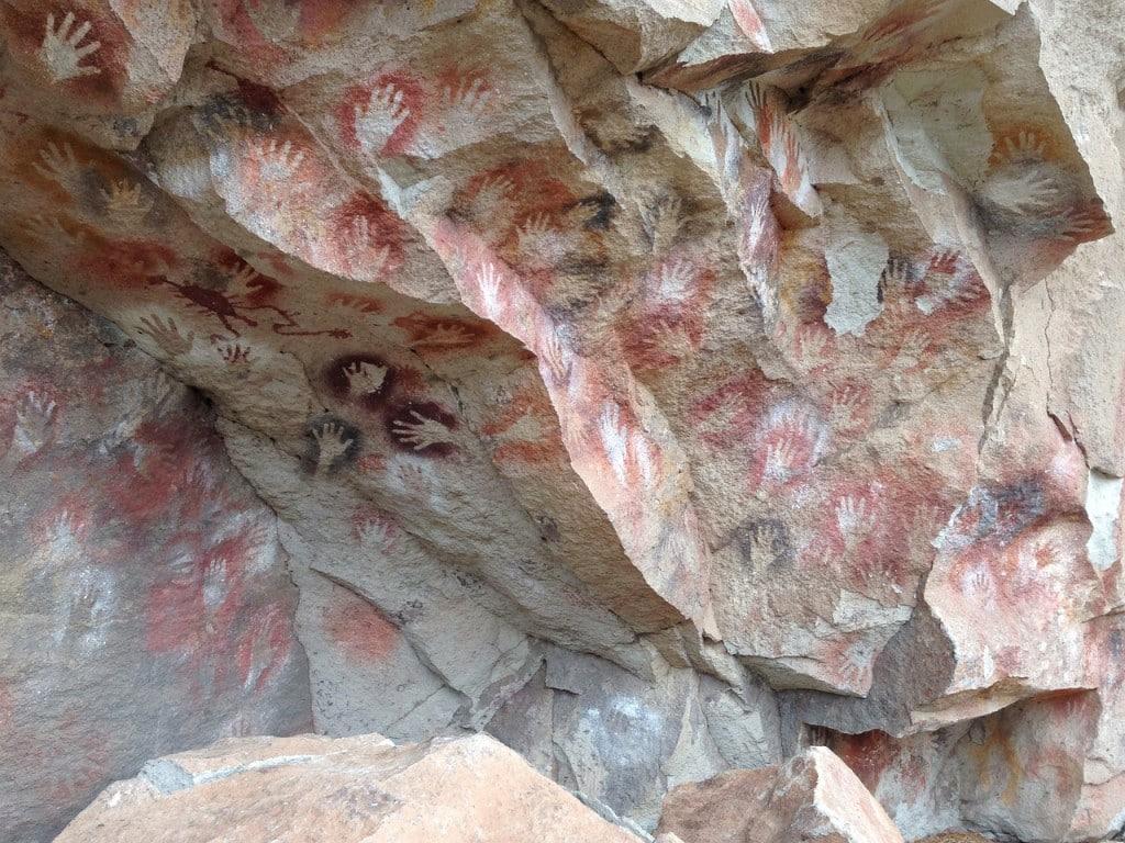 gravures rupestres Argentine grotte cueva de los manos