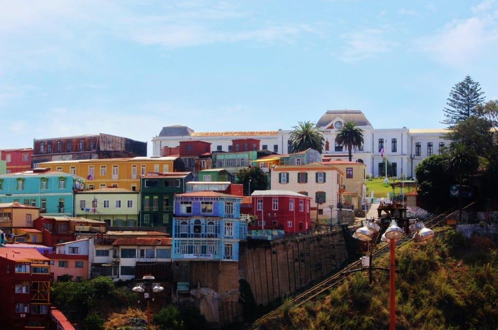 Valparaiso, chili, ses couleurs, ses collines, son art de rue