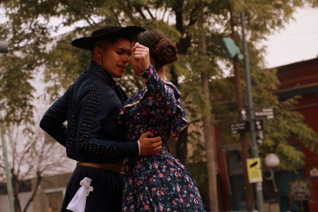 les danseurs de la feria de Mataderos à Buenos Aires